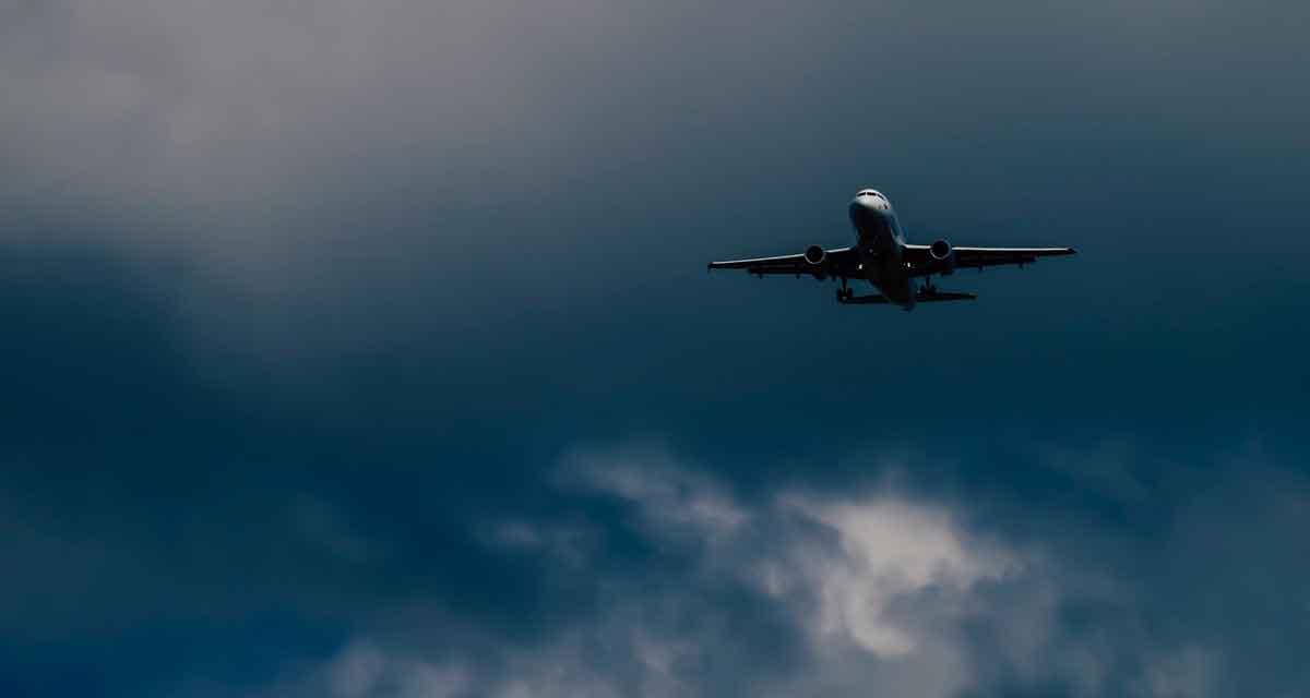 Vliegvakantie en CO2 uitstoot compenseren